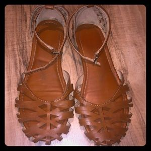 Cat and Jack size 2 closed toed sandal VGUC